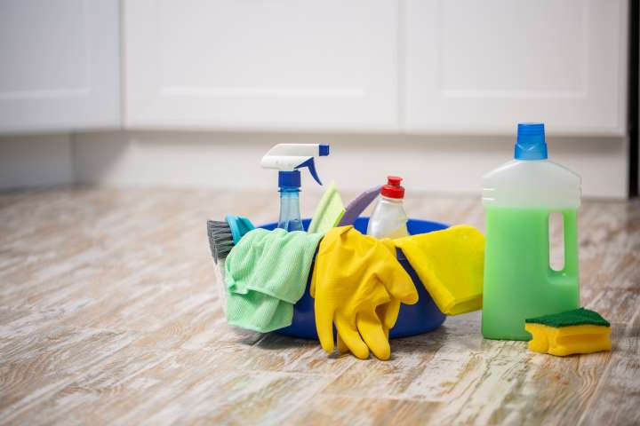 städmaterial ingår när din bostad städas