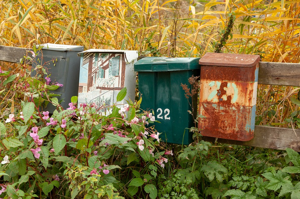 lär dig rengöra en postlåda i rostfritt stål